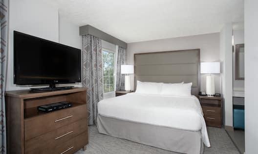 King Studio Suite Bedroom