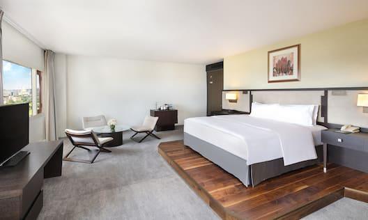 Royal Guestroom