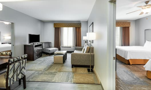 Two bedroom suite with lounging area