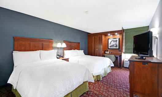 Guest Room with Two Double Beds