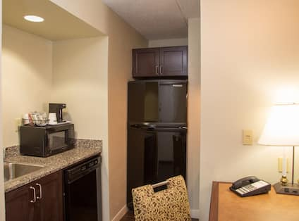 Kitchen Suite Area with Worktop Microwave and Desk