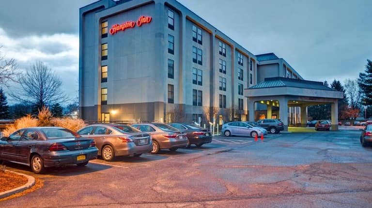 Hampton Inn Wolf Road Airport Hotel Albany Ny