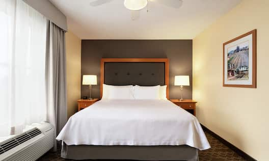 Accessible Suite Bedroom with King Bed