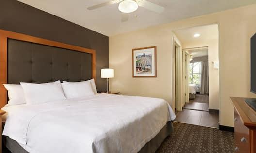 Guest Suite King Bedroom