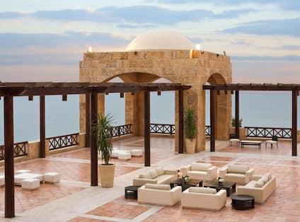 Outdoor Ground Floor Terrace with View over Sea