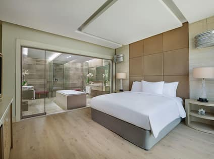 Royal Suite Bedroom with Bed, Room Technology, Bathroom, Shower, and Bathtub