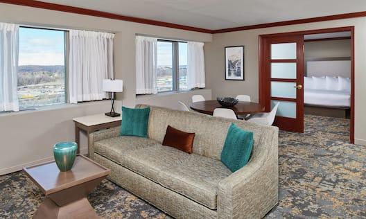 1 King Bed Luxury Suite