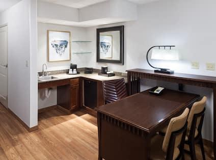 wet bar and fridge