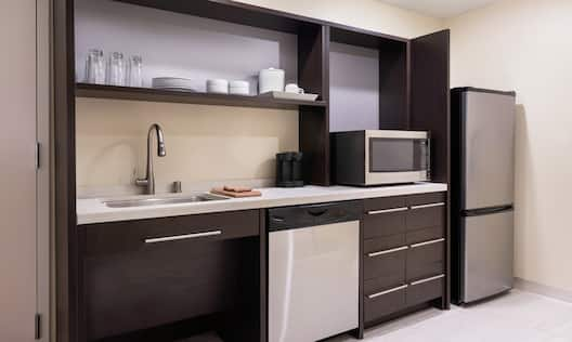 Queen Accessible Suite Kitchen Area