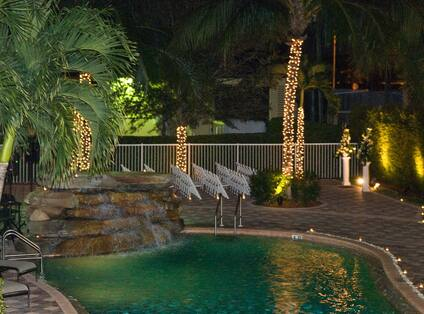 Elegant Poolside Affairs