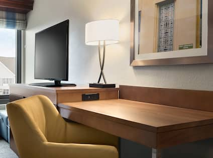 King Study Desk with Lamp