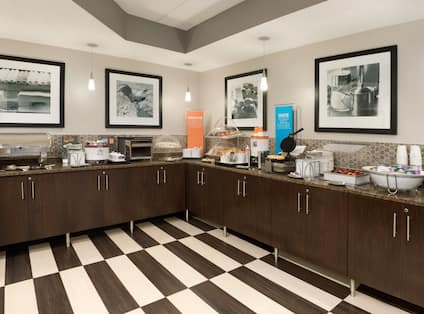 Breakfast Area Full Counter View