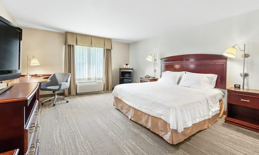 Accessible Single King Guestroom