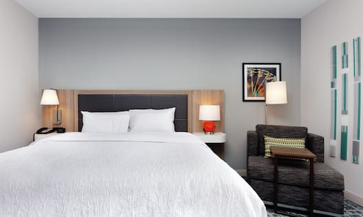 Hearing Accessible Single King Guest Room