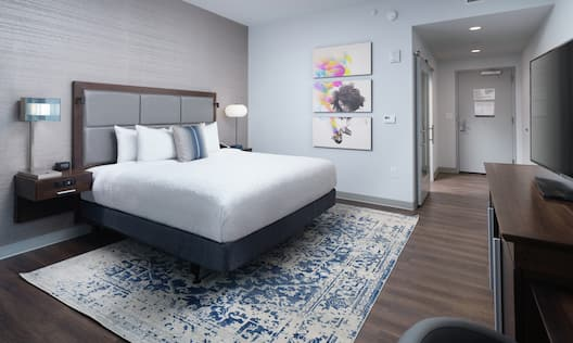 Accessible King Guestroom with Bed and Room Technology