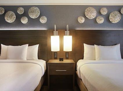 Guestroom with Two Queen Beds