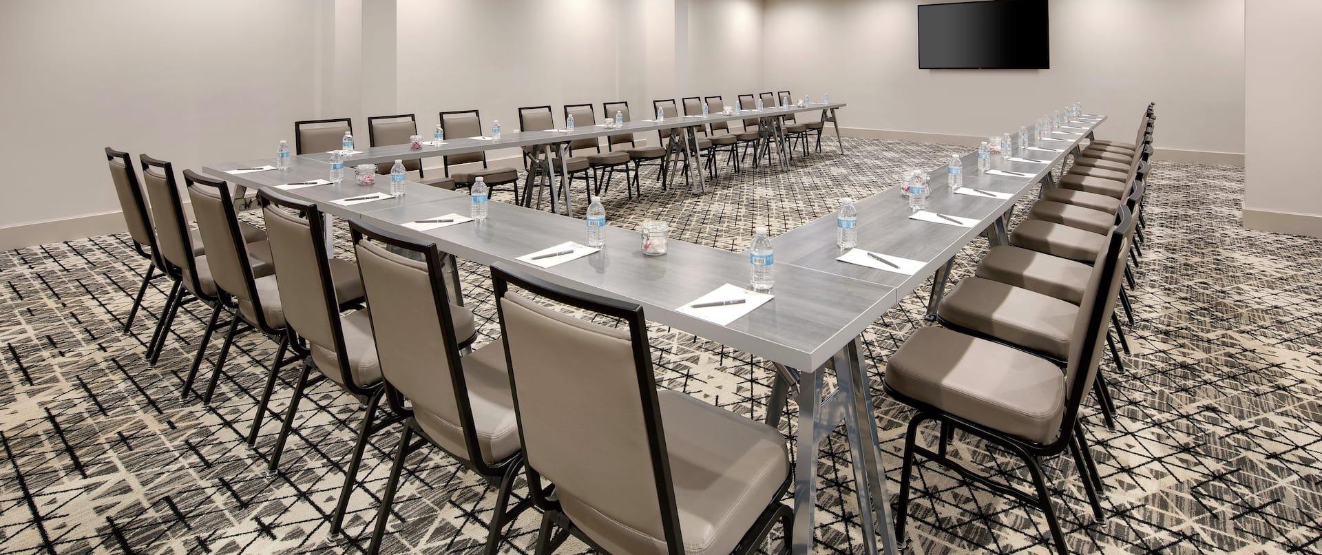 Meeting room in U-shape layout