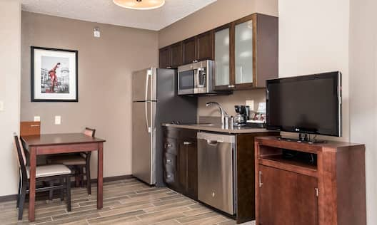 Guest Room Kitchen with Full Size Appliances