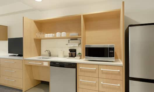 Double Queen Studio Suite - Accessible Kitchen