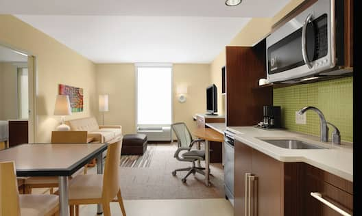 Home2 Suites by Hilton Baltimore/White Marsh, MD Hotel - King Suite Living Area