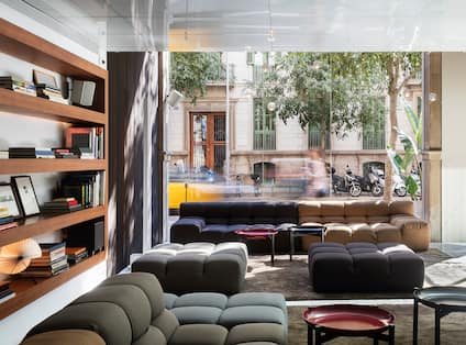 Lobby Seating Area with Soft Seats and Sofas