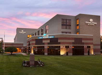 DoubleTree by Hilton Hotel Hartford - Bradley Airport, CT - Exterior