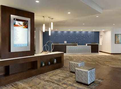 DoubleTree by Hilton Hotel Hartford - Bradley Airport, CT - Front Desk