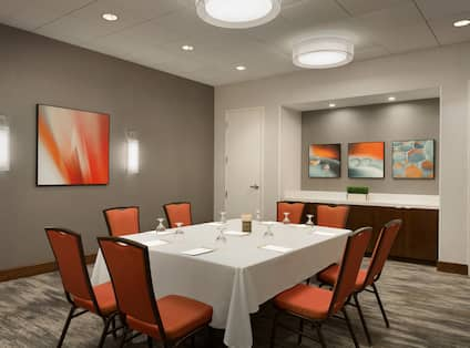 DoubleTree by Hilton Hotel Hartford - Bradley Airport, CT - Meeting Room