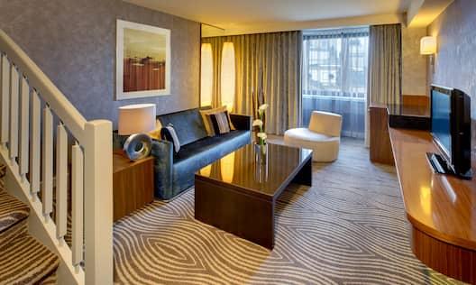 Duplex Suite Lounge Area