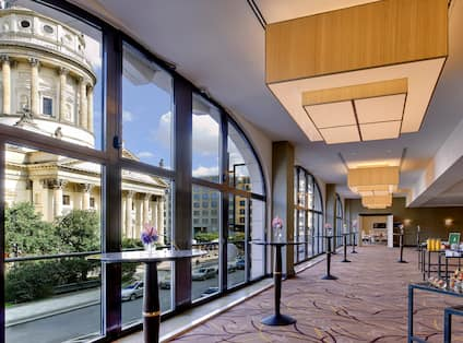 Panorama Foyer