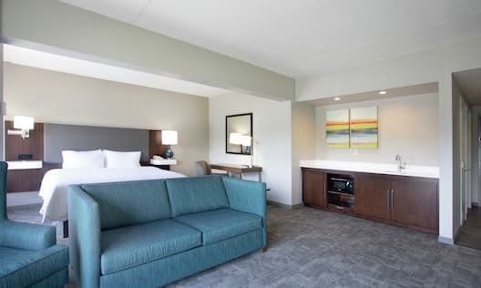 Guest Suite with King Bed, Sofa and Kitchenette