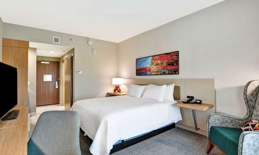 Single King Guest Bedroom