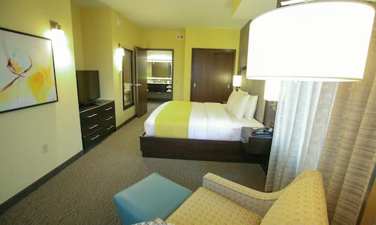 Guestroom King Suite