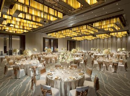 Ballroom with Gala Dinner Set Up