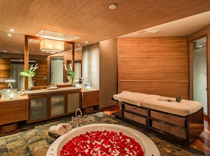 Seasons Spa Treatment Room