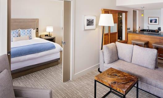 King Bed Guestroom Suite