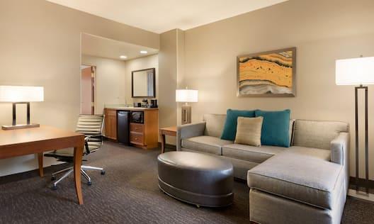 Parlor Suite Guestroom Living Area
