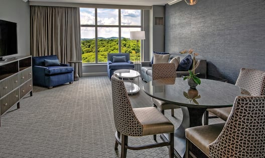 Accessible Guestroom Suite Living Room Area