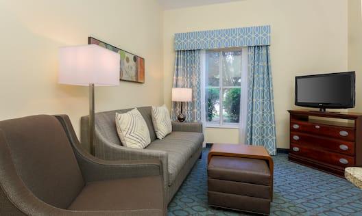 Guestroom Suite Living Room Area
