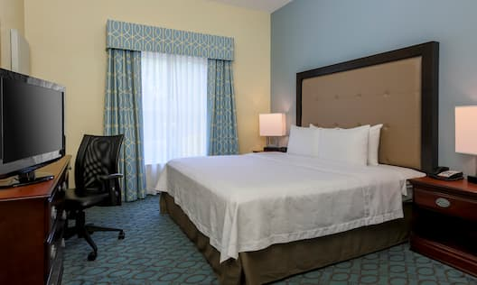 Single King Bedroom Guestroom Suite