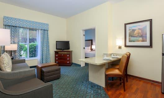 Guestroom Suite Living Room