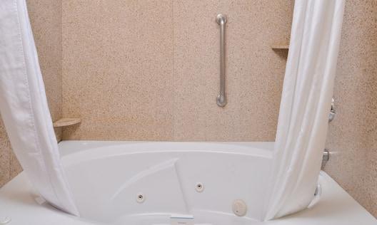 Guest Bathroom Bath Tub