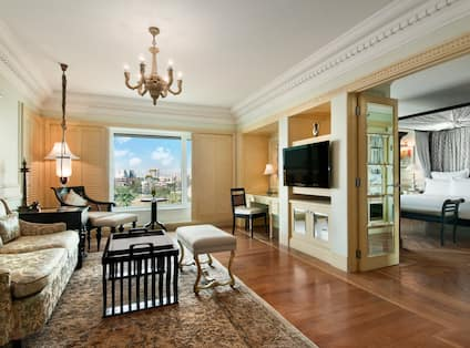 Suite With Lounge Area