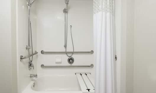 Accessible Guestroom Bathroom with Tub