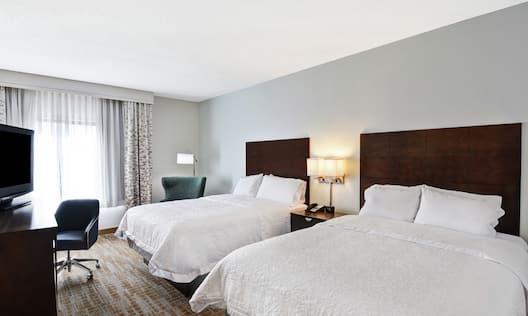 Two Queen Beds Guestroom