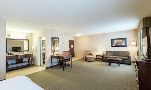 Accessible King Suite Guestroom with couch