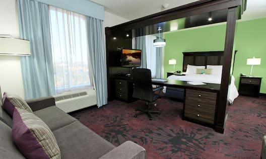 King Studio Suite