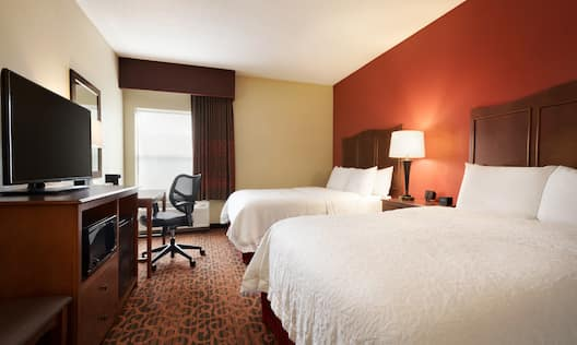 Two Queen Beds Guestroom with HDTV and Work Desk