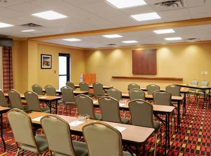 Assemblee Une Duex Meeting Room