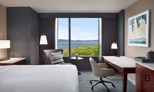 King Room with Lake View and Desk Area